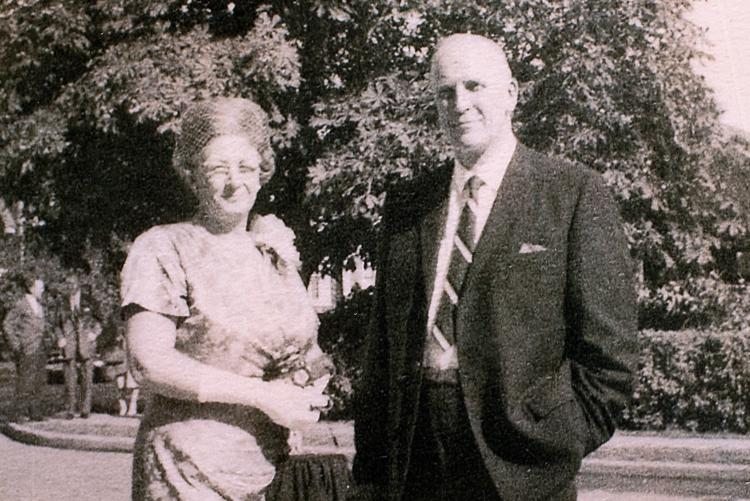 Black and white image of Ruth (Campbell) and Ralph Callbeck, parents of Catherine  / C. Callbeck collection